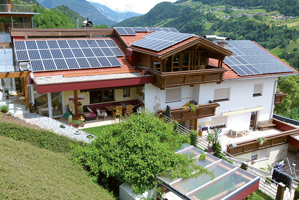 mit sonne und bach photovoltaik am dach. Black Bedroom Furniture Sets. Home Design Ideas